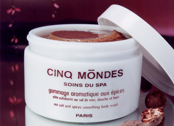 Cinq-Mondes-Aromatic-Spice-Scrub