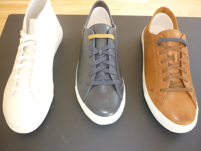Chemical-free treated leather in the new Winter '11 collection by Veja