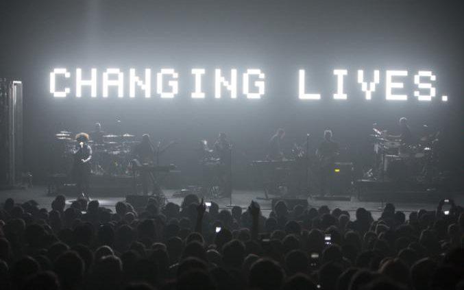massive-attack-changing-lives-large_CREDIT LIVEPIX